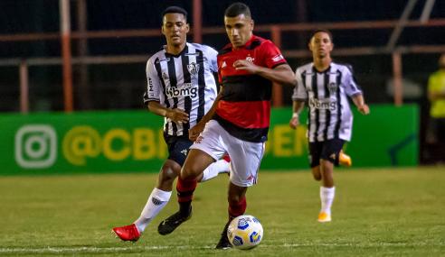 Flamengo perde para o Atlético-MG, mas vai às semifinais do Brasileirão Sub-17