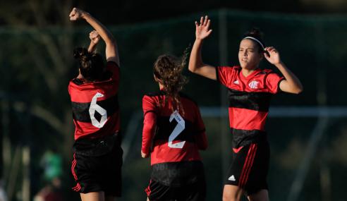 Flamengo derrota Cuiabá e lidera Grupo A do Brasileirão Feminino Sub-18