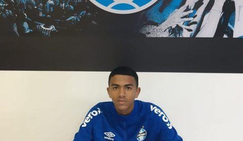 Filho de Tinga assina contrato de formação com o Grêmio