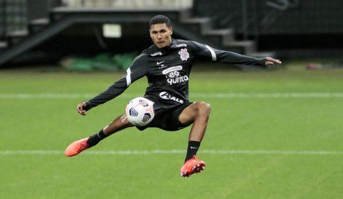 Corinthians devolve atacante ao Joinville