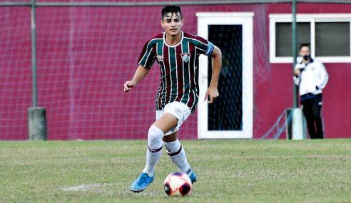 Fluminense renova contrato com zagueiro do sub-20