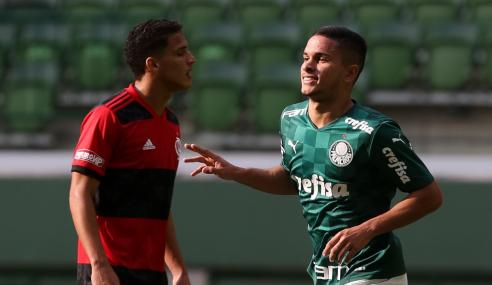 Palmeiras derrota Flamengo e cola nos líderes do Brasileirão Sub-20