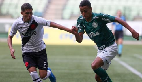 Vasco empata com o Palmeiras e garante vaga nas semifinais do Brasileirão Sub-17