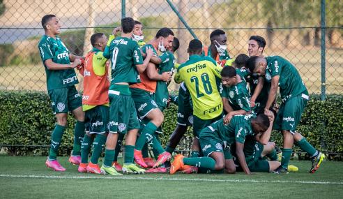 Palmeiras faz dois gols no fim e vira sobre o São Paulo pelo Brasileirão Sub-17