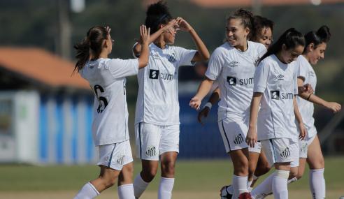 Santos goleia Ceará e se isola na ponta do Grupo D do Brasileirão Feminino Sub-18