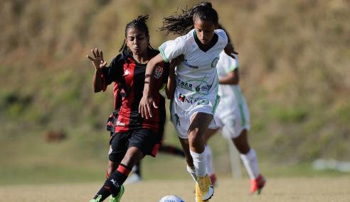 Com dois de Eduarda, Iranduba bate Vitória pelo Brasileirão Feminino Sub-18
