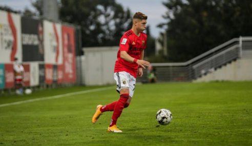 Benfica-POR negocia atacante de 21 anos
