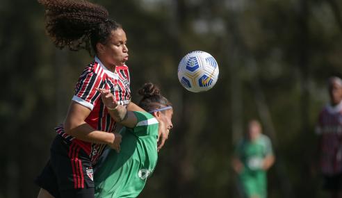 São Paulo empata com a Chapecoense e garante ponta do grupo no Brasileirão Feminino Sub-18