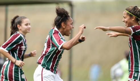 Fluminense bate Chapecoense na abertura da segunda fase do Brasileirão Feminino Sub-18