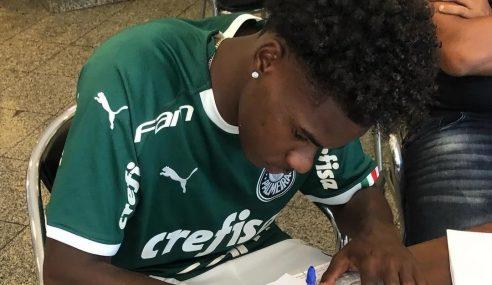 Palmeiras contrata lateral do Ibrachina-SP