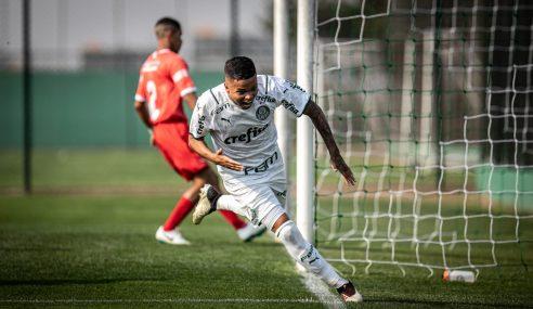 Palmeiras goleia de virada e assume a ponta do seu grupo no Paulista Sub-20