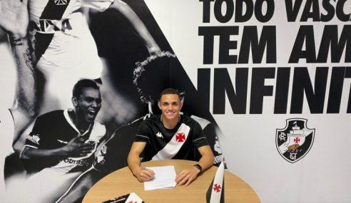 Vasco apresenta atacante ex-Palmeiras