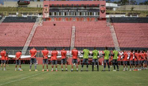 Elenco sub-20 do Vitória falta a treino em protesto