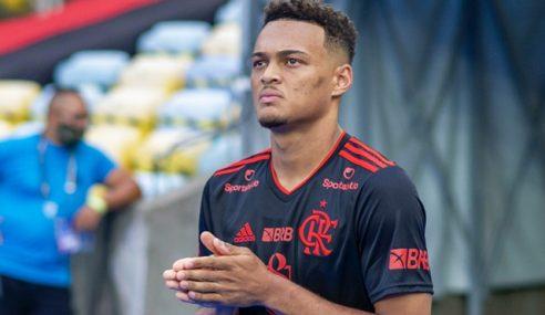 Flamengo acerta venda de Rodrigo Muniz para clube inglês