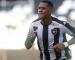 Gabriel Conceição faz golaço e garante empata do Botafogo com o Santos pelo Brasileirão Sub-20