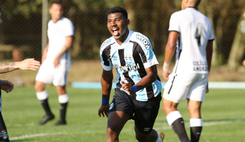 Com confusão no fim, Grêmio vence Corinthians e se reabilita no Brasileirão Sub-20