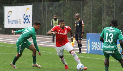 Chapecoense vira nos acréscimos e vence Internacional fora de casa pelo Brasileirão Sub-20
