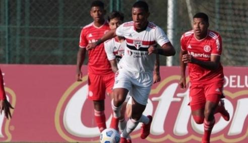 Com um a menos, São Paulo segura empate com o Internacional pelo Brasileirão Sub-20