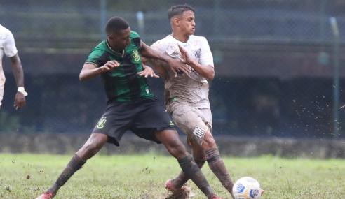 Em gramado barrento, Santos e América-MG empatam pelo Brasileirão Sub-20