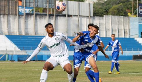 Com um a mais, Palmeiras leva gol no fim e perde para o Taubaté pelo Paulistão Sub-20