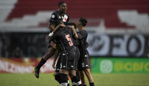 Vasco vira sobre o Flamengo e abre vantagem na final do Brasileirão Sub-17