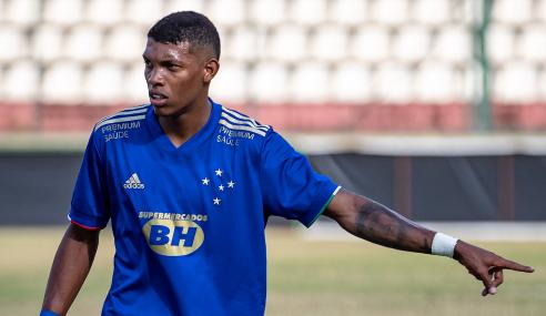 Cruzeiro vence, troca de posição com o Ceará e cola no G-8 do Brasileirão Sub-20