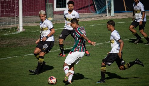 Fluminense fica no empate sem gols com o Voltaço vai às semis do Carioca Sub-20
