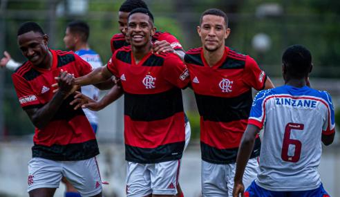 Flamengo bate Bahia e se aproxima dos líderes do Brasileirão Sub-20