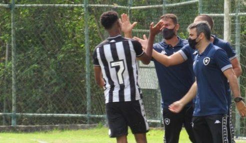 Botafogo faz 3 a 0 no Bangu pelo Carioca Sub-15