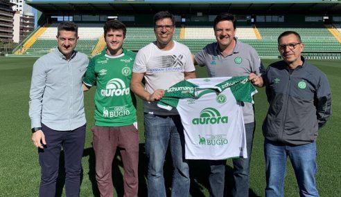 Filho de Paulo Rink assina contrato com a Chapecoense