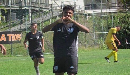 Botafogo aplica goleada e continua 100% no Carioca Sub-15