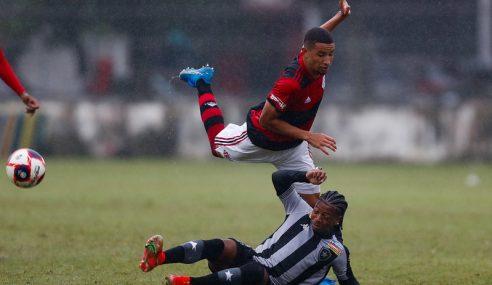 Flamengo volta a vencer Botafogo e é finalista do Carioca Sub-20