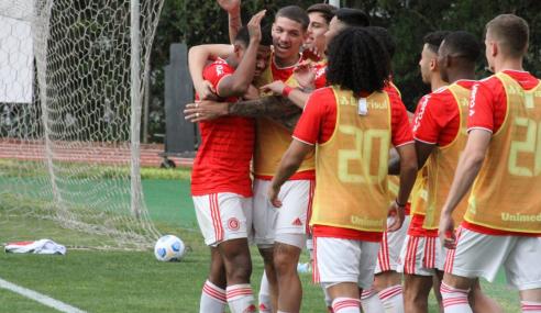 Internacional goleia Santos e esquenta briga pelo G-8 do Brasileirão Sub-20