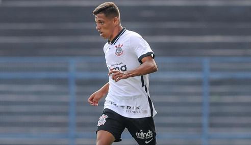 Corinthians bate Figueirense e vai vivo para última rodada do Brasileirão de Aspirantes