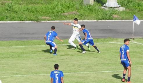 Com um a mais, Porto Vitória vira sobre o São Raimundo-RR e segue na Copa do Brasil Sub-17