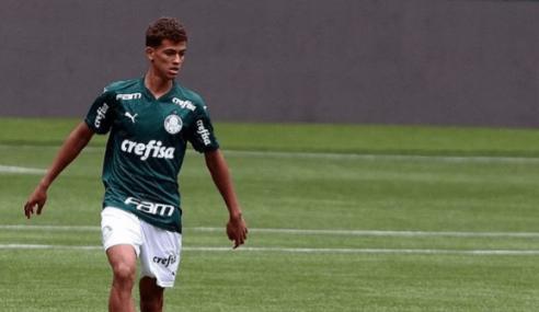 Zagueiro troca Palmeiras pelo Atlético-MG