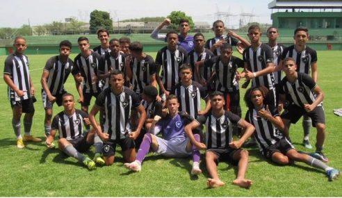 Botafogo vence Vasco fora de casa pelo Carioca Sub-15
