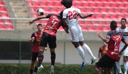 São Paulo goleia Flamengo por 4 a 1 no Paulista Sub-20