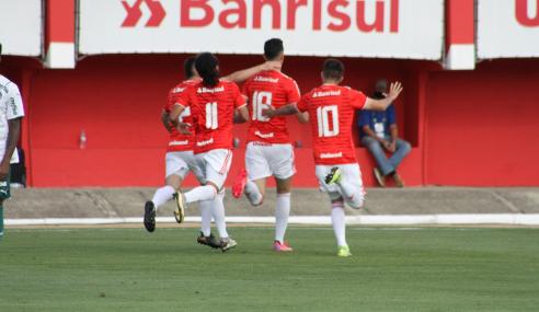 Internacional vira para cima do Palmeiras nas quartas do Brasileirão Sub-20