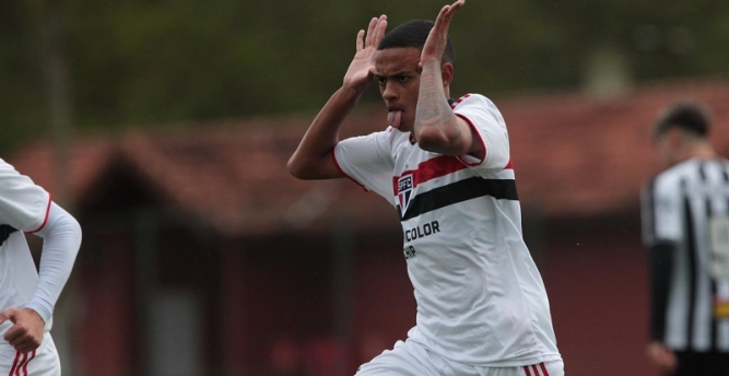 São Paulo derrota Atlético-MG e pega Flamengo na final da Copa do Brasil Sub-17