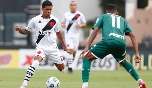 Palmeiras vira, goleia Vasco e assume liderança do Brasileirão Sub-20